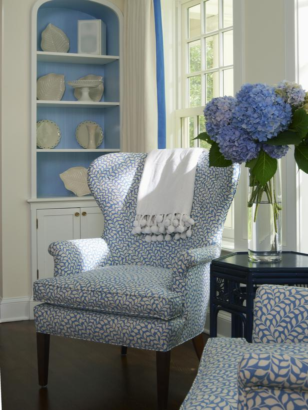 DP_Lynn-Morgan-Blue-White-Chair-Bookcase_s3x4_lg