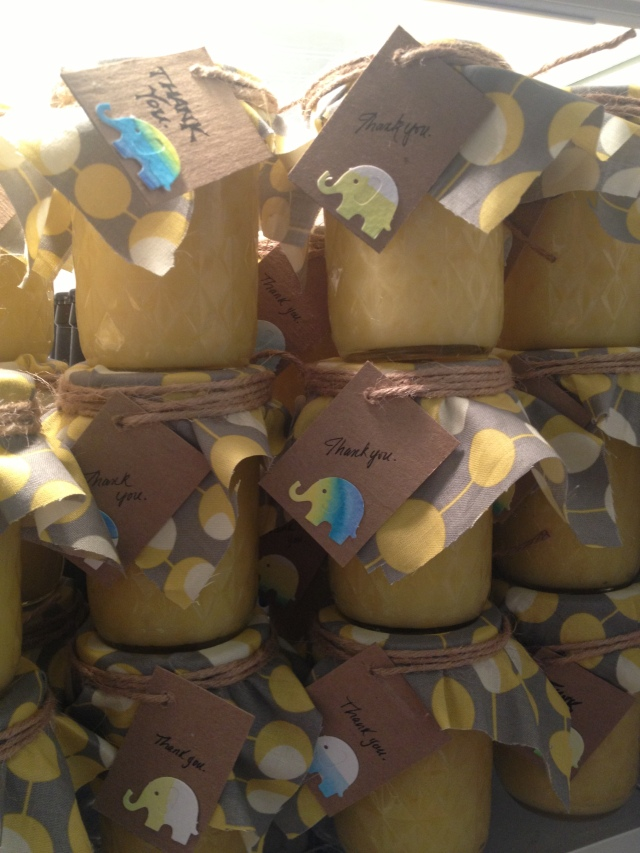 Lemon Curd Favors for a Baby Shower on Dogs Dishes and Decor #elephant #babyshower #babyboy